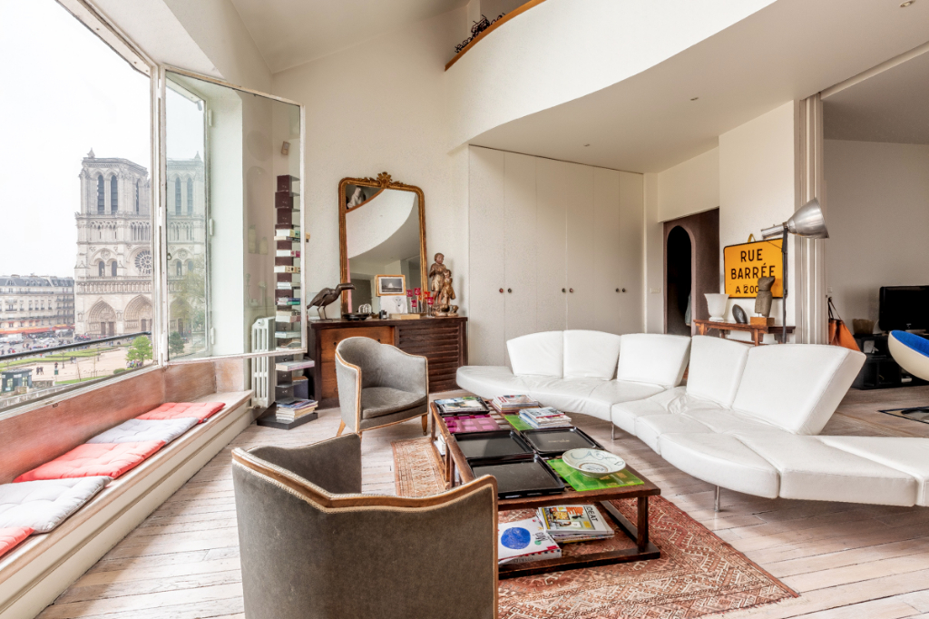 Duplex Quai de Seine Paris Ve